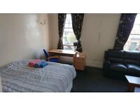 STUNNING VERY BIG DOUBLE ROOM AVAILABLE NOW,ALL BILLS INCLUDED.