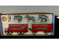 Corgi classics foden s21 lorry and trailer with elephants,pedestal and rider.