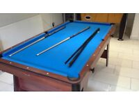 Pool Table 1.8m x 1m good condition with cues and balls and triangle