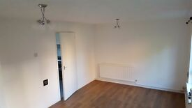 NEWLY REFURBISHED SPACIOUS 2 BEDROOM GROUND FLOOR MAISONETTE FLAT CARDIFF BAY PARKING AND GARDEN