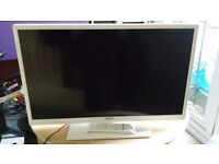 "Bush 32"" HD ready freeview LED TV/DVD combo"