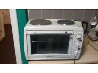 Oven with 2 hotplates
