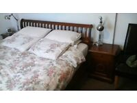 SUPERKING SOLID HARDWOOD TEAK SLEIGH BED PLUS MATCHING BEDSIDE CABINETS