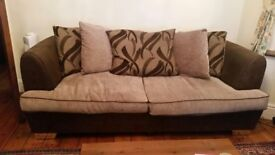 3 Set Sofa with coffee table included. Very good condition! Collection only.