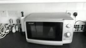 Sharpe 800 watt microwave