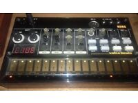 korg volca beats analog drum machine + power supply + sync cable