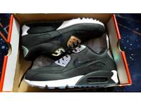 Nike Air Max 90 size 9 boxed
