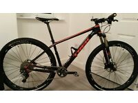 "Trek Superfly 9.8 SL Carbon Mountain Bike - 17.5"" (Medium)"