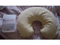 BOOTS INFLATABLE BREASTFEEDING PILLOW WITH BOX