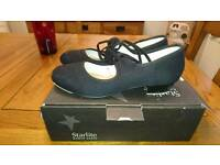 Starlite size 6 ladies tap shoes