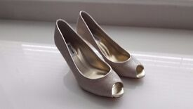 Dune womens gold court shoes. Size 6
