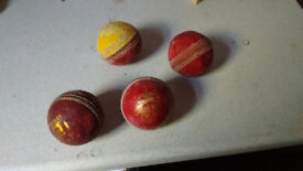 Cricket Balls (x4)