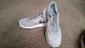 Mens or boys nike air odyssey grey trainers size 7
