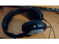 Sennheiser HD201 Closed Dynamic Stereo headphones
