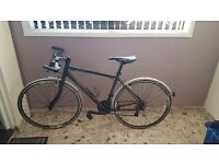 Sirrus Hybrid Specialized Mens Bike for sale.