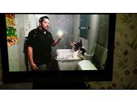 42 INCH HITACHI FLAT SCREEN TV