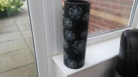 large black and rey modern vase very good condition from t.k.max