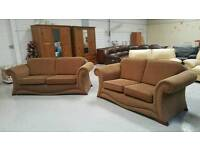 Modern 3 & 2 seater sofa in vgc can get it delivered 07808222995