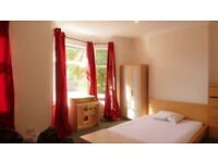 1 Master Double Size Room in femaIe House Flat Share -- mintpie