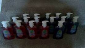 Sixteen dettol anti bacterial hand washes