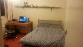 Double room in social house located in Cotham (near town centre)