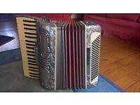 Piano accordian 120 Bass Soprani