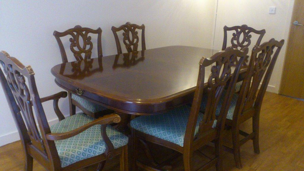 Yew Wood Extending Table And Buy Sale And Trade Ads