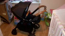 Hardly used (egg) pram with carry cot