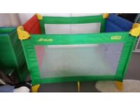 Travel cot-Houck Pack anf Play