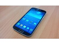 SAMSUNG S4 / MINT CONDITION BOXED
