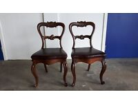 2 CHAIRS SET OF TWO BALLOON BACK PARLOUR CARVED CHAIRS / QUEEN ANNE STYLE LEGS WOODEN CHAIRS