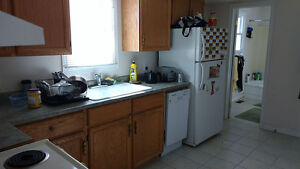 4 Bedroom - Across from St. Lawrence College!