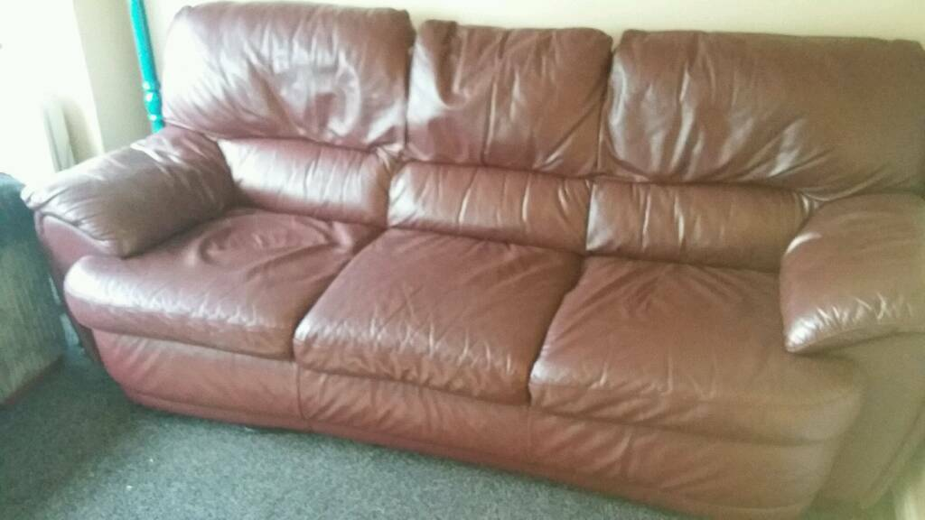 Lovely plum leather 3 seater sofa