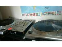 Newmark VINYL DJ DECKS