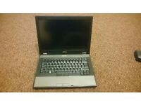 Dell latitude E5410 Intel Core i3 2.27 Ghz, 3 GB RAM, 250 GB HDD, WIFI