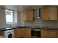 IMMACULATE FIRST FLOOR 3 DOUBLE BEDROOM FLAT RECENTLY RENOVATED NEWMILNS KILMARNOCK AYRSHIRE!!