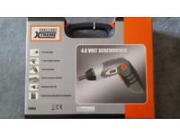 4.8v Screwdriver With Light In A Case With Accessories