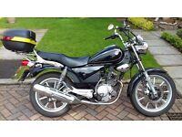 Yamaha 125 cc Custom Motorcycle 2010. Nice condition. Learner friendly.