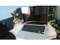 2012 Macbook Pro (Silver) in Great Condition For Sale