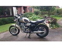 2001 (Y) Triumph Thunderbird 900cc. £3700