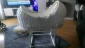 Mothercare pod rocking moses basket, white vgc