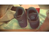 Baby Nike revolution Trainers