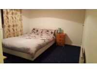 1 double room to let in Clovenstone area.