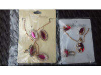 2 brand new jewellery sets