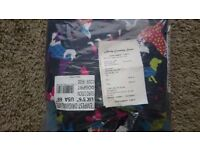 """New 5'6"""" turnout rug with dog print in bag never used"""
