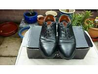 Nike size 7 mens golf shoes