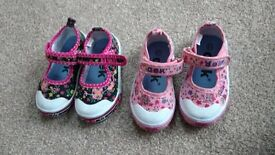 Dek shoes size 4.5 £4 each