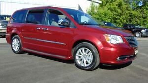 2016 Chrysler Town & Country LIMITED PLATINUM - ONLY 3,285 KMS !
