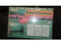 New garden lawn spreader