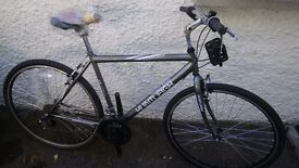 New Huntleigh Parkland 20 inch 18 speed Hybrid Cycle.